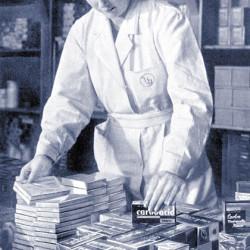 1942_GyTógyszerek csomagolÔÇása