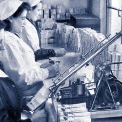 1942_TablettacsomagolÔÇás